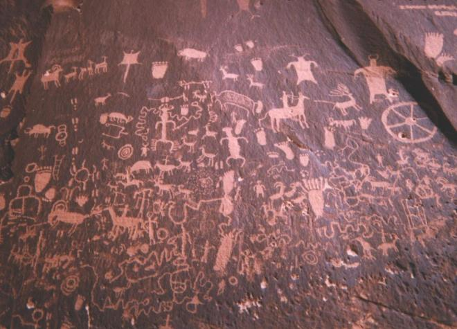 Newspaper_rock